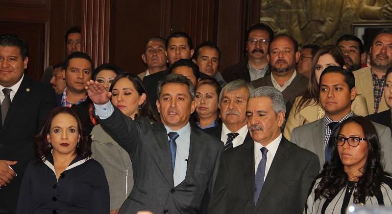 Mauricio Díaz protestó guardar y hacer guardar la Constitución Política de los Estados Unidos Mexicanos, la particular del Estado y las leyes que de ambas emanen