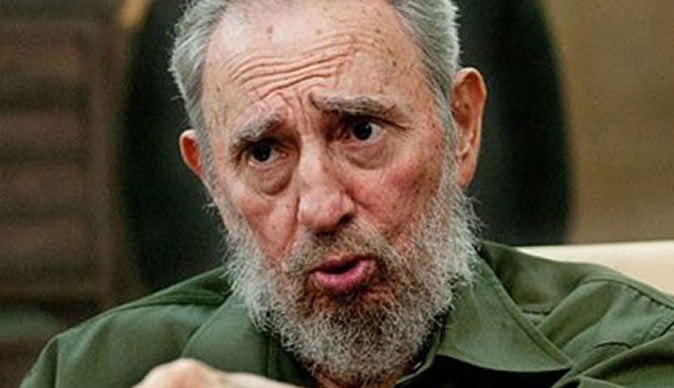 Fue venerado por miles de simpatizantes de izquierda, pero gobiernos como el de Estados Unidos y cubanos exiliados que abandonaron la isla tras la revolución lo acusaban de tirano