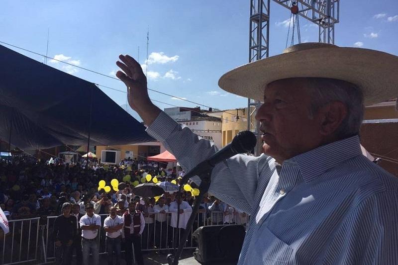 La gira de Andrés Manuel López Obrador continuará el próximo jueves 1 de diciembre en los municipios de Uruapan a las 11:00 am para continuar en la capital de estado, Morelia a las 13:30 horas y finalmente en Zitácuaro a las 18:30 horas