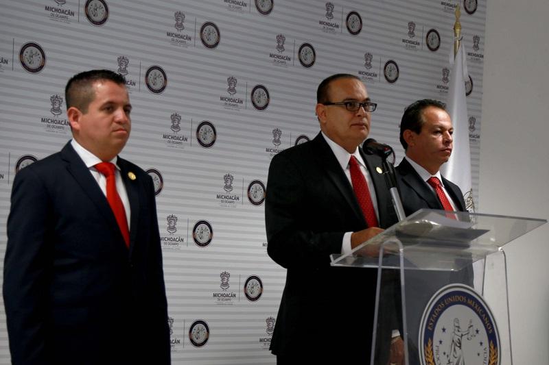 """Godoy Castro advirtió que el mensaje para quienes insisten en querer causar daño a la integridad, familia o patrimonio de los michoacanos es claro: """"cero tolerancia a la delincuencia"""""""
