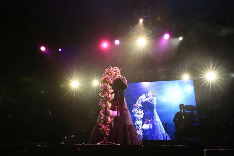 La Avenida Madero lució llena de familias que disfrutaron del espectáculo gratuito