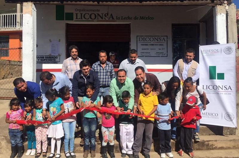 Las inauguraciones de las lecherías se dieron en la comunidad de Pueblo Viejo, perteneciente al municipio de Queréndaro y la segunda se da en la tenencia de Ziráhuato, perteneciente al municipio de Zitácuaro