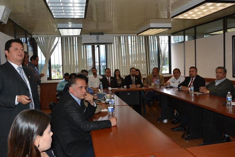 Los alcaldes asistentes a la reunión y los representantes despejaron las dudas y manifestaron su decisión a someter a sus respectivos cabildos la propuesta para la creación de los Nodos