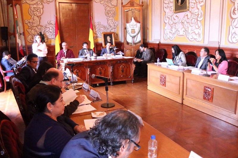 Además, se exhortó a la Secretaría de Desarrollo Metropolitano e Infraestructura mediante la Dirección de Orden Urbano, presente un informe detallado en relación con los asentamientos o colonias irregulares detectadas en Morelia