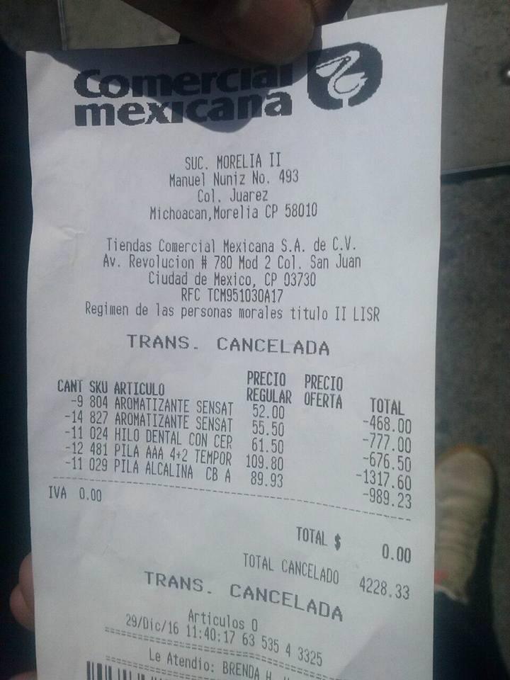 Los artículos robados eran 23 aromatizantes, 11 hilos dentales y 23 paquetes de pilas alcalinas, con un valor total de 4 mil 228.33 pesos (FOTOS: FRANCISCO ALBERTO SOTOMAYOR)