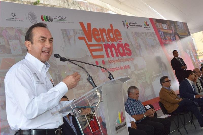 """""""Estas empresas son el principal motor de la economía, sin embargo, para prosperar enfrentan grandes retos. La mayoría nace con el fin de generar trabajos y patrimonio, pero necesitan fortalecerse para sobrevivir"""", refirió Soto Sánchez"""
