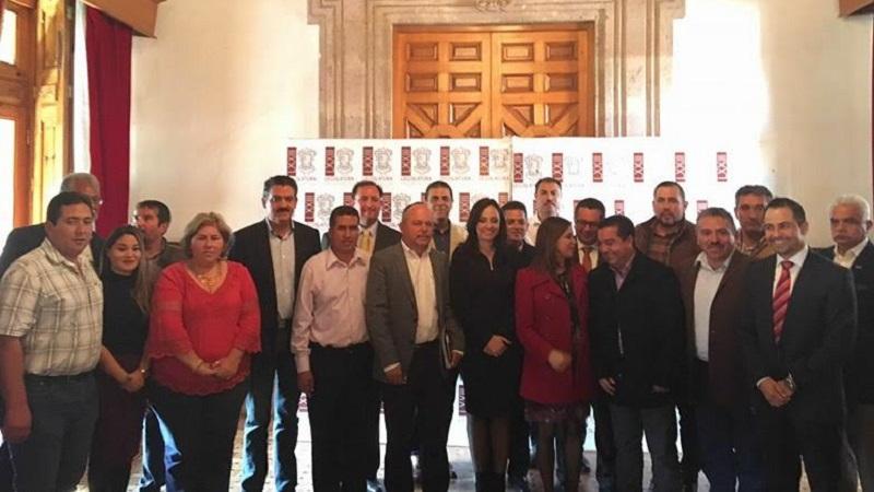 En la reunión también se abordaron varios temas enfocados a generar proyectos para atraer recursos a esta zona del estado de Michoacán