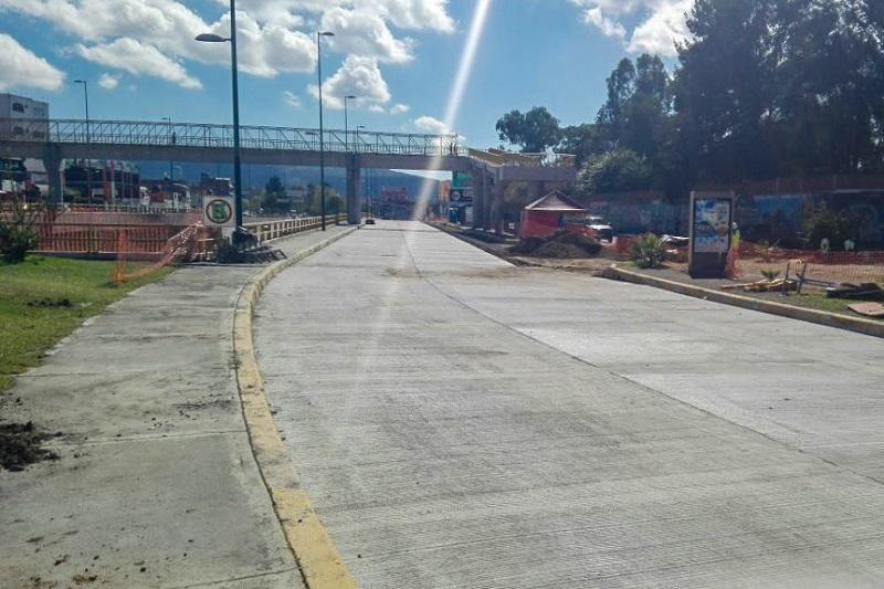 El tramo ubicado sobre el túnel del distribuidor vial de la salida a Charo fue terminado y abierto a la circulación vehicular al Norte de la glorieta