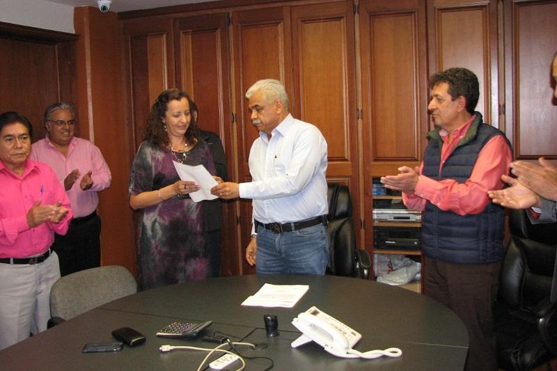 Jaime Morelos Suárez reconoció el trabajo realizado por Ignacio Chávez en la Subdirección, y reiteró el apoyo del Ayuntamiento a la Dirección General del Organismo