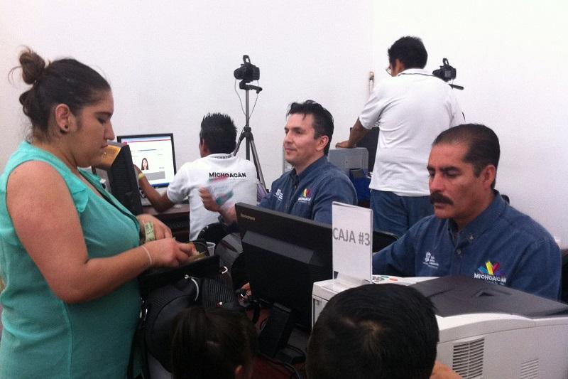 Aclara la SFA que no cuenta ni existen intermediarios para la realización de trámites vehiculares en Michoacán