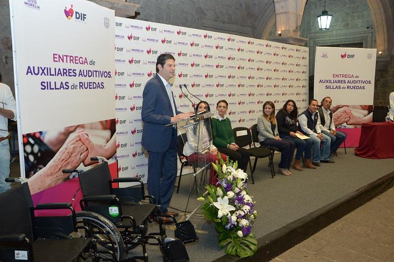 Al hacer uso de la palabra, Paola Delgadillo agradeció la confianza de las personas que se siguen acercando al DIF Morelia para solicitar apoyos de este tipo