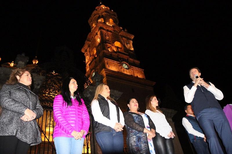 De esta forma, el Ayuntamiento de Morelia inicia de forma espectacular las fiestas de Fin de Año, con un programa que involucra a la ciudadanía y la hace partícipe de la proyección del municipio, como un lugar ideal para disfrutar