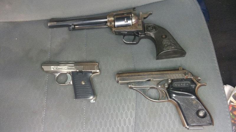 Los imputados, armas de fuego y vehículo fueron puestos a disposición de la autoridad competente