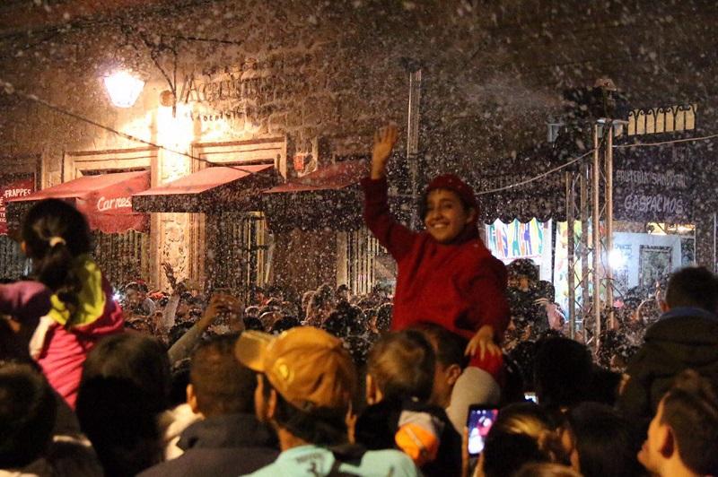 De esta forma, el Ayuntamiento de Morelia inicia de forma espectacular las fiestas de Fin de Año, con un programa que involucra a la ciudadanía y la hace partícipe de la proyección del municipio, como un lugar ideal para disfruta