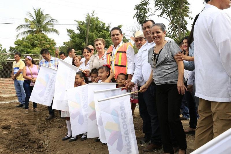 Dichas obras quedarán concluidas a principios de marzo próximo y el Gobernador Silvano Aureoles se comprometió a inaugurarlas