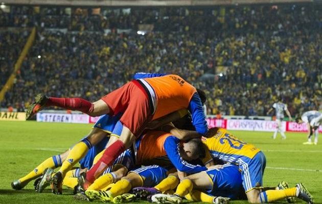 León se lanzó al frente buscando el empate pero careció de profundidad y no generó mucho peligro sobre el arco del arquero Guzmán