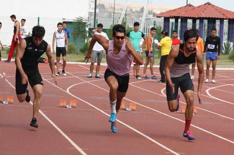 Las pruebas en disputa son en pista y campo, entre ellas, carreras desde los 80 hasta los 5 mil metros, salto de longitud y de altura, además de lanzamiento de disco y bala