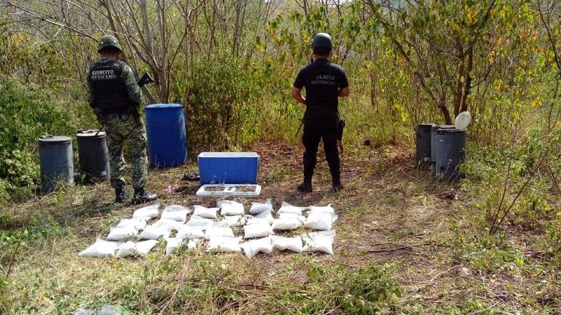 Los cartuchos, droga y rectores fueron puestos a disposición de la autoridad competente