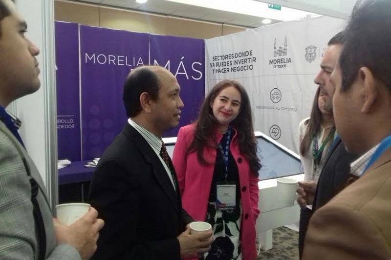 Ireri Rivera recordó que en días pasados el Gobierno Municipal participó en el XXIII Congreso del Comercio Exterior Mexicano, en donde se tuvo la oportunidad de estrechar nuevos lazos comerciales entre Morelia con los mercados internacionales