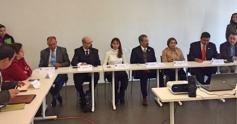 A este respecto, la directora de la Unidad de Derechos Humanos, Lizzet Puebla Solórzano reconoció la participación activa y decidida de la sociedad y de las propias instituciones educativas en todas y cada una de las mesas de trabajo