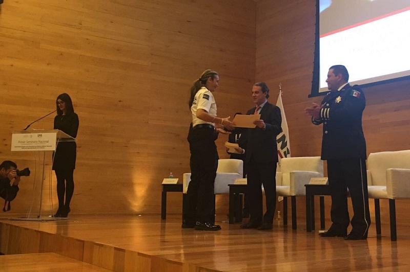 """Esta premiación se llevó a cabo en el marco del seminario de """"Mejores Prácticas Policiales"""", organizado en la Ciudad de México con la participación de exponentes nacionales e internacionales pertenecientes al sector de seguridad"""