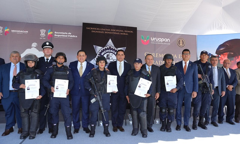 Aureoles Conejo conminó a las y los elementos a desempeñar su labor con compromiso, respeto y honestidad, para garantizar la paz, la armonía y tranquilidad para todas y todos los michoacanos