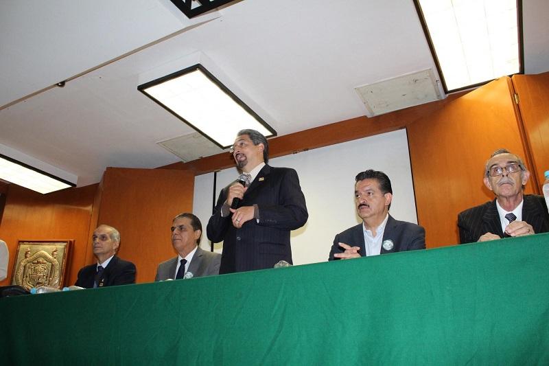 Michoacán cobra relevancia como destino natural de especies faunísticas, afirma el rector Medardo Serna