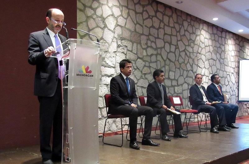 Con la representación del titular de la SFA, Carlos Maldonado Mendoza, el director de Contabilidad, Agustín García Franco, resaltó la importancia realizar trabajos que encaminen a las administraciones estatal y municipales hacia la armonización contable