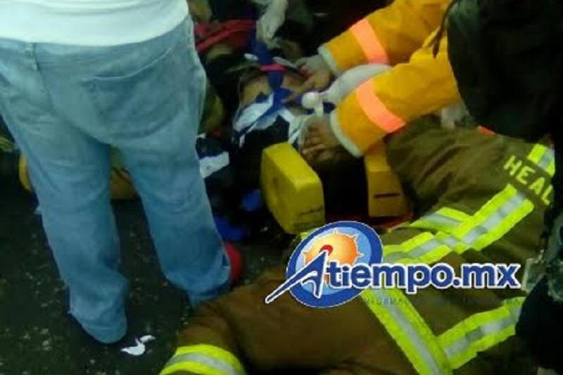 Tanto el hombre como la mujer arrollados por el tráiler fueron trasladados por unidades de emergencia en estado grave de salud (FOTOS: FRANCISCO ALBERTO SOTOMAYOR)