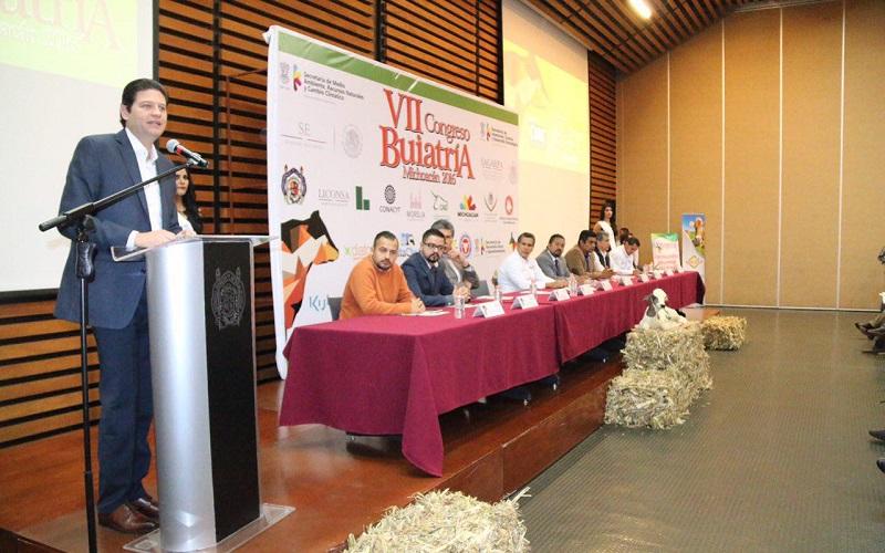 Martínez Alcázar reconoció que existe una profunda vocación ganadera cuya actividad da sustento a cientos de familias de la zona rural