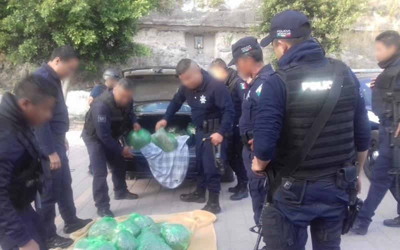 Los presuntos implicados, droga, vehículos, arma de fuego, artículos, cargadores y cartuchos fueron puestos a disposición de la autoridad competente