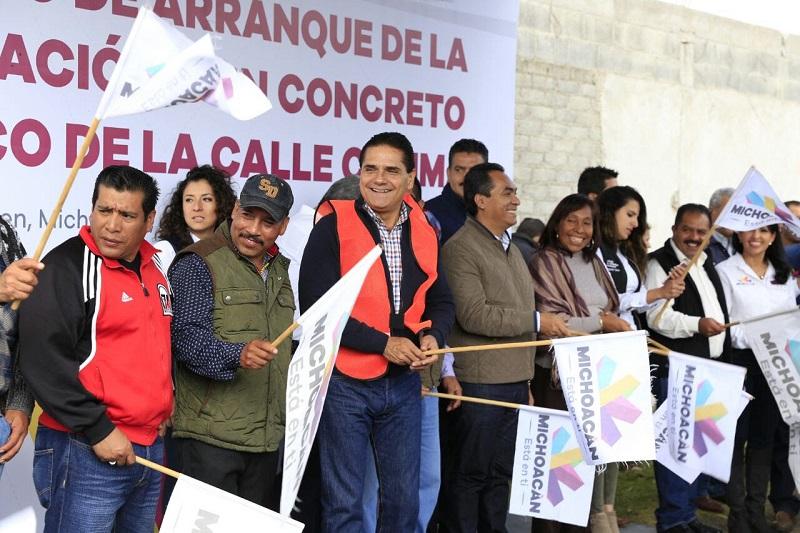 Aureoles Conejo aseguró que comparte las causas de la población, por ello trabaja para que el pueblo cuente con infraestructura e instalaciones dignas, así como servicios de salud y educación de calidad