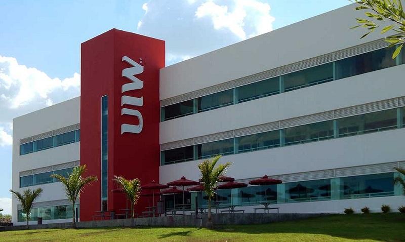 La University of the Incarnate Word, fundada en 1881 en San Antonio, Texas, se encuentra entre las 50 primeras universidades del Ranking USNews, y es la primera universidad estadounidense con dos campus en México