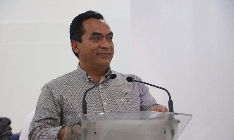 """López Solís detalló parte de las acciones que se han realizado en Zitácuaro y en la región Oriente, como el programa """"Beca Futuro"""", el cual en su primera etapa se beneficiaron mil 231 y en la segunda fase mil 370"""