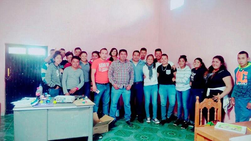 Pedro Paz también reconoció ante los alumnos la labor de gestión del Jefe de Tenencia Juan Manuel Padilla Ceja para la instalación del Telebachillerato Michoacán en la Comunidad, el cual solicitó ante el Gobernador del estado y cualquier autoridad requerida