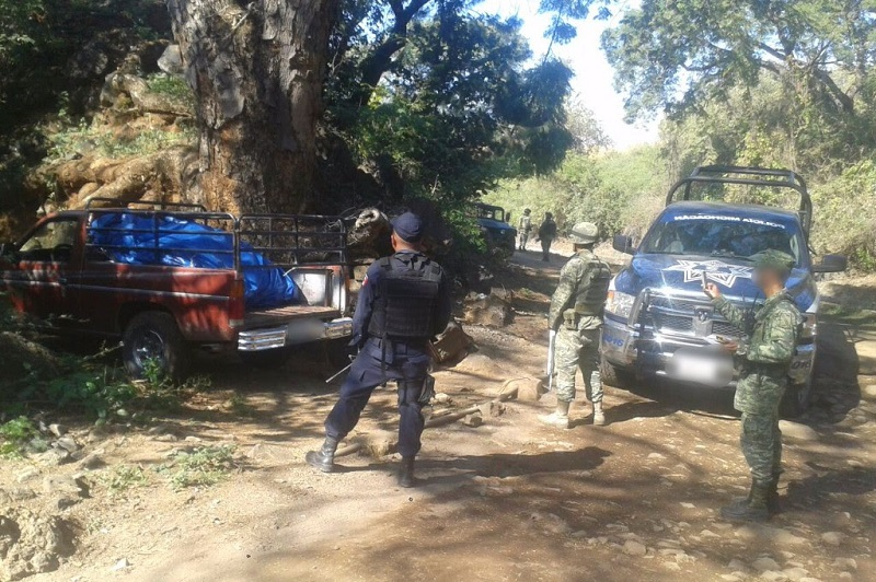 La droga y vehículo fueron puestos a disposición de la autoridad competente