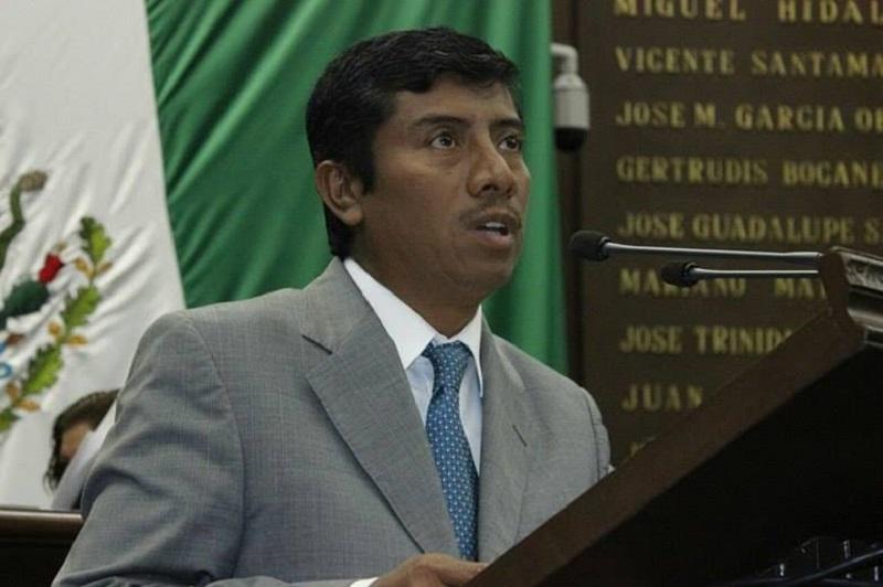 Campos Ruiz resaltó que el Congreso del Estado, está obligado a revisar y armonizar con las disposiciones Federales, el conjunto de normas que regulan en Michoacán el ejercicio del derecho ciudadano de acceso a la información pública