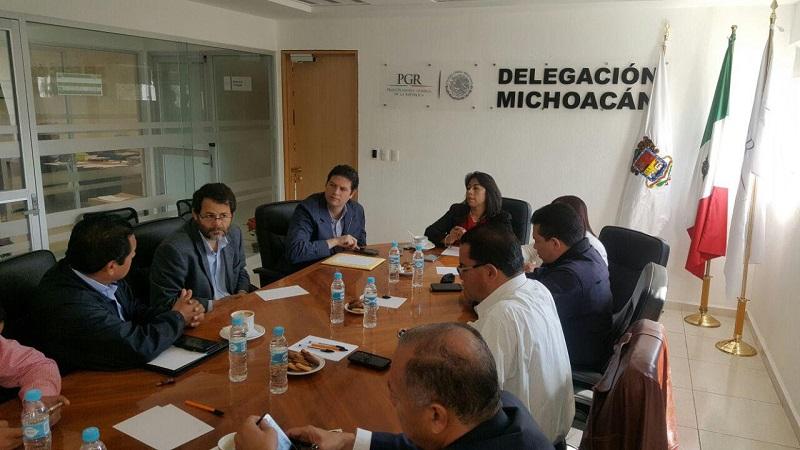 Cabe mencionar, que en dicha reunión estuvieron presentes también representantes de la Procuraduría General de Justicia del Estado, del CISEN, la Policía Federal, Policía Michoacán, así como de la 21 Zona Militar