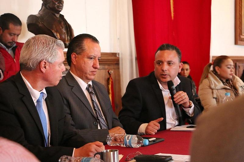 Explicó que este importante e innovador proyecto traería múltiples beneficios para la población de los municipios de Pajacuarán, Venustiano Carranza, Sahuayo y Jiquilpan, como una medida contundente en contra de la contaminación ambiental de la región