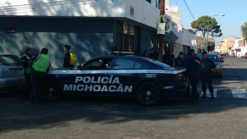 Se registró una fuerte movilización policíaca en la Zona Centro, así como en las colonias Ventura Puente y Félix Ireta, pero sin resultado alguno (FOTO: FRANCISCO ALBERTO SOTOMAYOR)