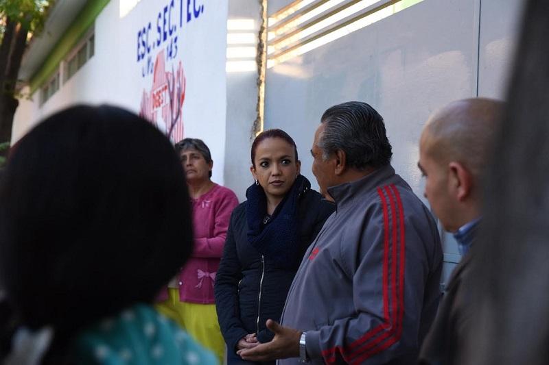 Villanueva Cano reiteró su disposición para impulsar como representante popular, acciones que protejan a los niños y a la juventud del estado, a fin de encontrar junto con la sociedad, las herramientas necesarias para mejorar el desarrollo y la seguridad de todas las familias michoacanas