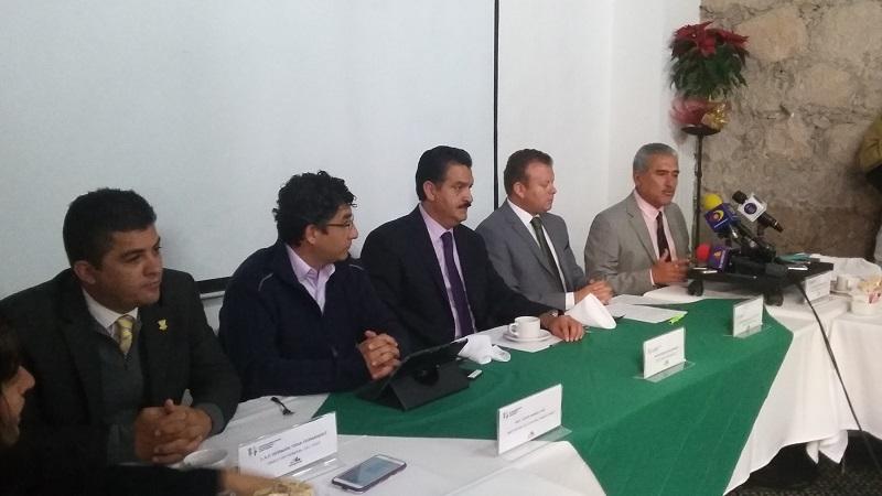 El director de la Cofom, Roberto Pérez Medrano, destacó que en materia forestal Michoacán ocupa el tercer lugar en procesamiento de manera legal