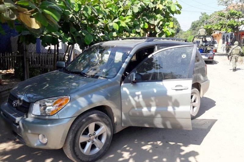 Los presuntos implicados, vehículos y armas de fuego fueron puestos a disposición de la autoridad competente