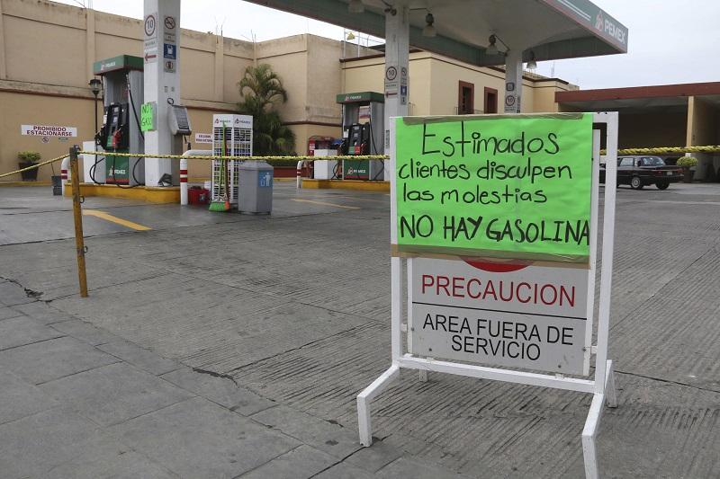 Las versiones sobre la escasez de gasolina han crecido tanto como la demanda de ese insumo básico.