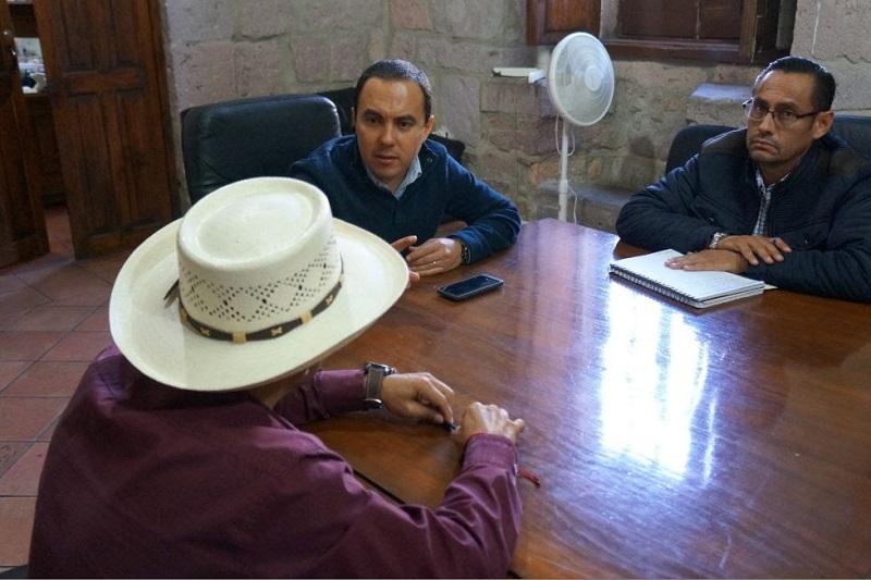 Ávalos Plata recordó que ningún acto de autoridad en el municipio debe ceñirse de intereses personales, sino en beneficio de la mayoría de la población y dotar de mayor infraestructura a las zonas habitacionales del municipio