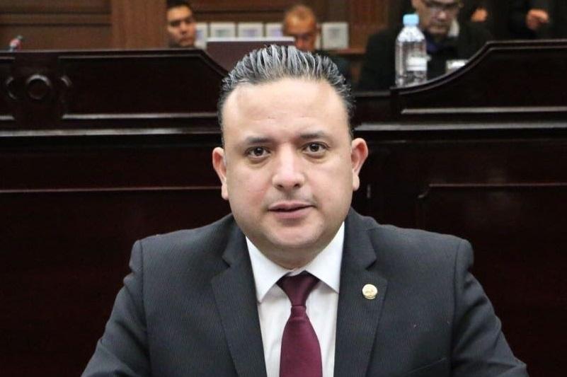 Además, Quintana Martínez pidió que se transparenten las razones detrás del desabasto de gasolina en Michoacán