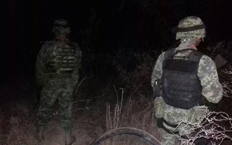 Cabe destacar que el personal militar únicamente proporcionó seguridad periférica durante los trabajos de inhabilitación y cierre de referidas tomas clandestinas que se identificaron este 28 y 29 de diciembre