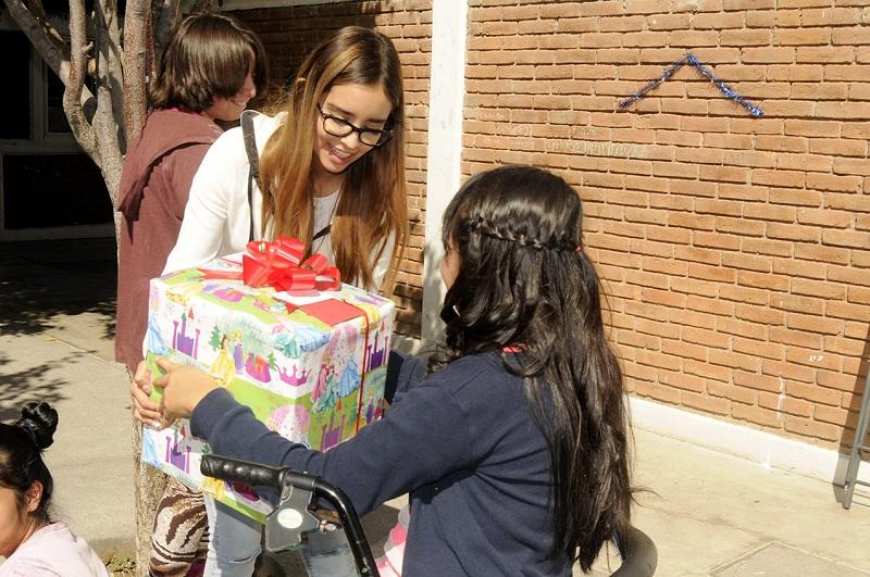 La congregación Más Vida regaló momentos de felicidad a niñas, niños y adolescentes de casas hogar
