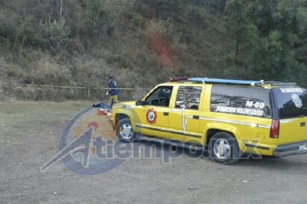 Al lugar acudieron una unidad de los bomberos voluntarios de BVAPE y la unidad 3257 de la Policía Michoacán (FOTOS: FRANCISCO ALBERTO SOTOMAYOR)