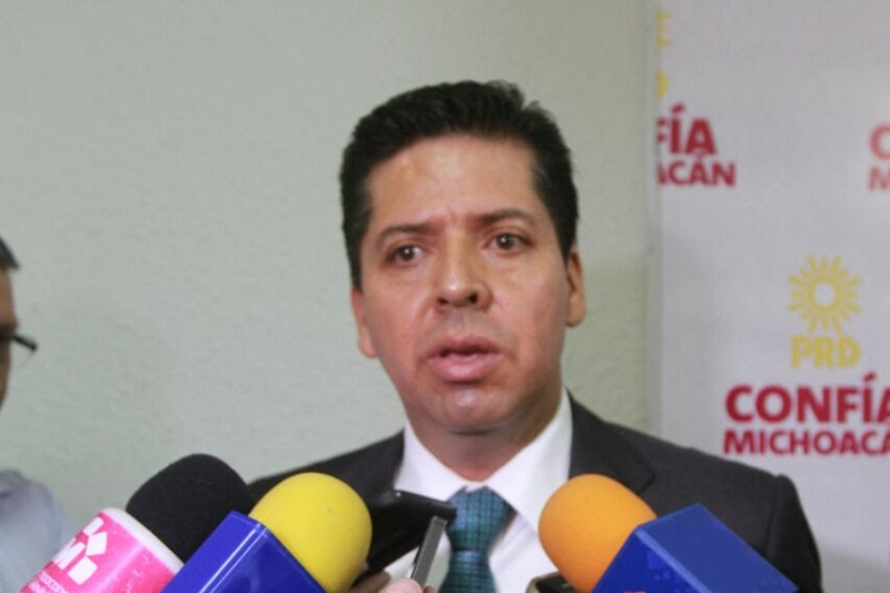 García Conejo recordó que en el 2013, cuando él en compañía del ahora gobernador, Silvano Aureoles, conformaron un bloque con todos los diputados del Sol Azteca para evitar que pasara esa reforma, sin embargo fue insuficiente